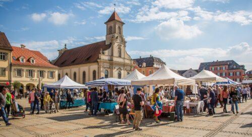 open air market shopping